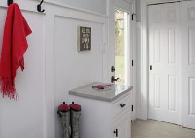 Oak Hill Mudd room (2)